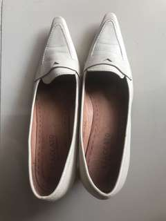 Staccato White Office Shoes