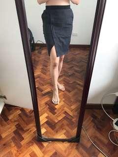 Denim pencil skirt with pockets