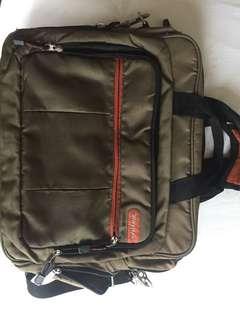 Targus Messenger/ Laptop Bag