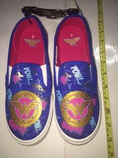 DC comics Wonder Woman canvas shoes ( US size 3 )