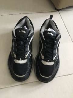 Sepatu Kets Black