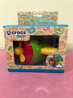 Crocs stationary set