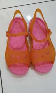 Crocs pink slip on sandal