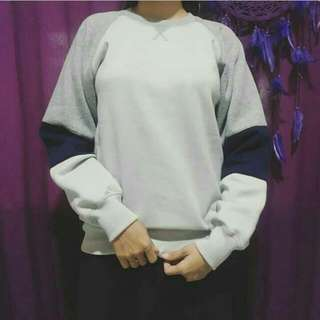 Sweater Size S Fit To M