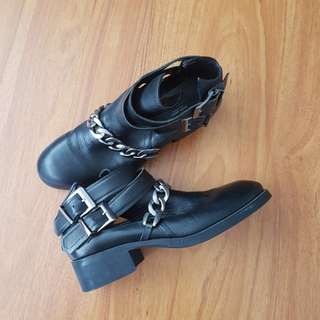 Zara Genuine Leather Cut out Buckle Chain Boots