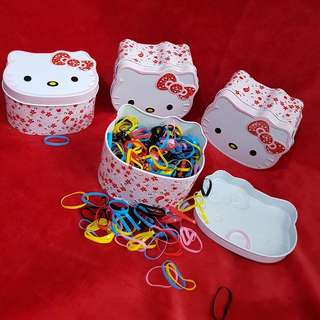 700 pcs sanrio in Hello Kitty can