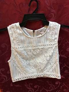 FOREVER21 lace cropped top