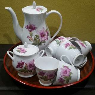 Tea set Bunga Raya