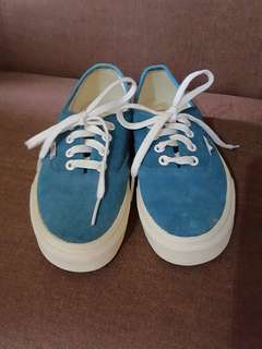 Authentic unisex Vans