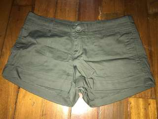 Cotton On ; army green shorts