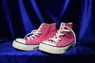 Sepatu ( Bukan Converse )