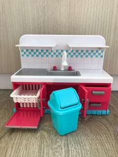 Little Girl's Kitchen Set