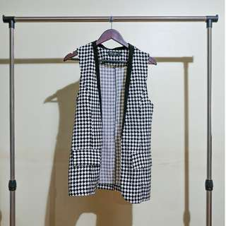 Black and White Houndstooth Long Vest