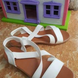 Sandals (her)