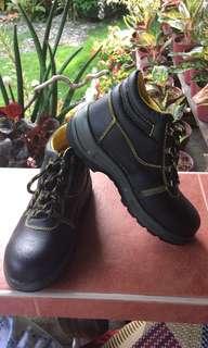 Leather Hi-Cut Safety Footwear