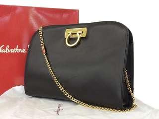 超減價 黑色Salvatore Ferragamo 中古金色鐵鏈側咩袋(有盒有塵袋)