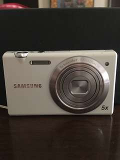 Samsung Camera MV800