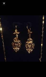 Peranakan intan earrings