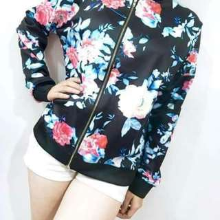 Floral bomber jacket 💸370  🌹Silk cotton 🌹🆓size fits up to large 📷Actual photo for your reference ✴mc