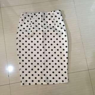 White pola skirt / bodycon / rok putih