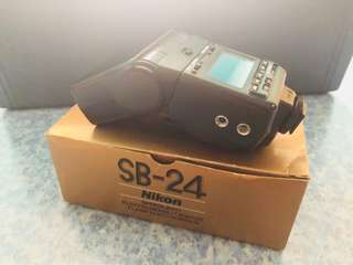 Nikon Speedlite SB-24