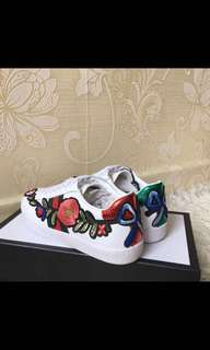 Gucci Flower Embroidered leather Ace sneaker shoes