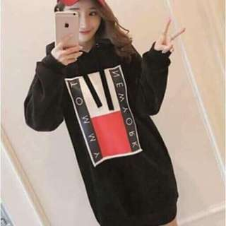 💰370 🌺Korean hoodie Dress ( tommy New York ) 🌼cotton  🌷fit S to L ( free size )  💫Two Colors ( black,red )  🎀Good Quality 💕 ✴uoc