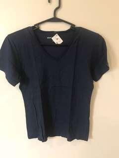 US Brand V neck shirt