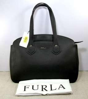 FURLA Giada Leather Top Zip Tote-BLACK