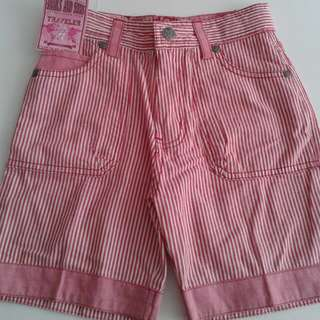 SHORTS SNAILS and SONS- sz 6 yrs