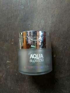Aqua Blossom Whitening OLED cream