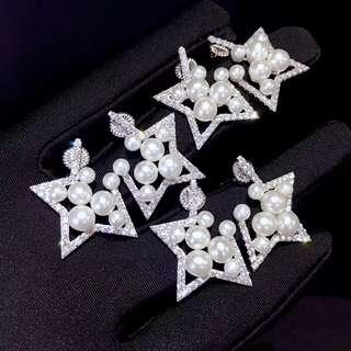 時尚款推薦:五角星耳環天然正圓淡水珍珠➕925銀鑲鋯石,大珍珠5-5.5mm,小珍珠4-4.5mm 特惠價💰598,歡迎咨詢訂購😊