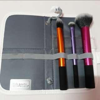 Real Techniques Travel Essential Brush Set