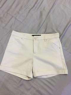 Mango cream short pants