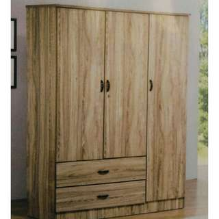 3 DOORS OAK WARDROBE