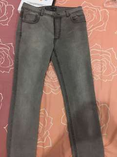 Celana jeans skinny pull and bear 30