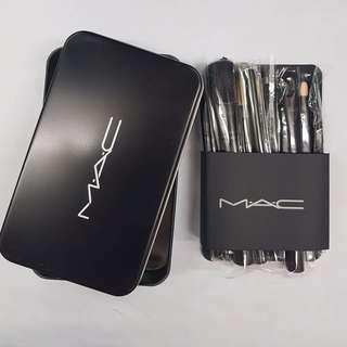 Make up brush MAC box kaleng
