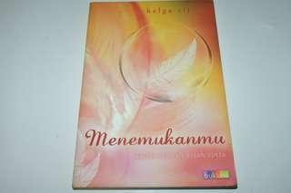 Novel Menemukanmu - Helga Rif