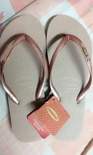 havaianas slippers for men and women..also available in other designs