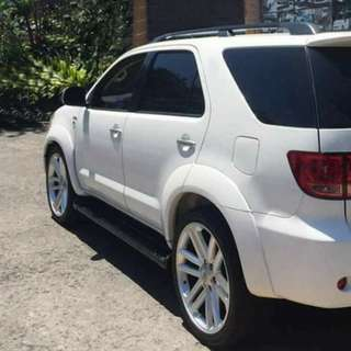 22 inch oem mags and tires for toyota fortuner SUV for sale or swap