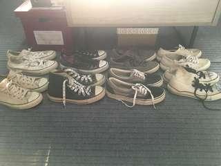 Converse sneaker bundle (+ 1 bench shoes)