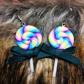 🚚 擬真棒棒糖🍬耳環(兩色)一對只賣$100元