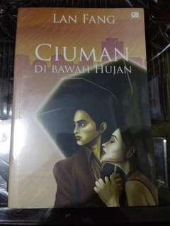 Novel LAN FANG (Ciuman di Bawah Hujan)