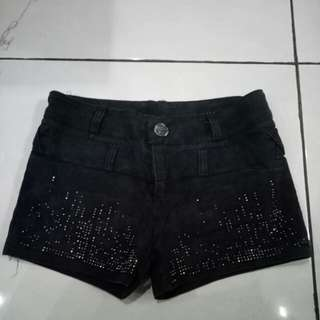 Celana Gemesh/Hot Pants