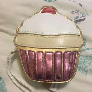Dangerfield cupcake purse