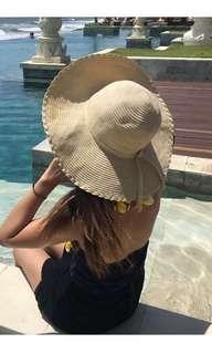 Straw beige / cream floppy hat