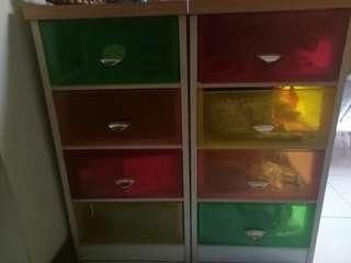 Cabinet warna warni