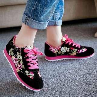 Sepatu Kets Casual Motif Bunga SDS101