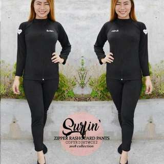 Rashguard with zipper