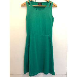 PLAINS & PRINTS Green Dress